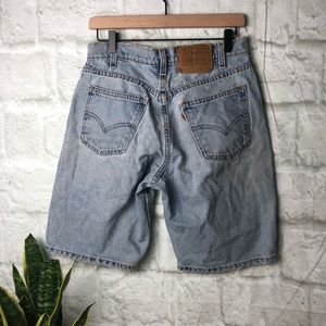 Vintage Levi's 550 Orange tab W31 denim shorts
